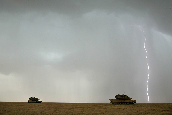 Horizon「U.S. Army Train Near Iraqi Border」:写真・画像(10)[壁紙.com]