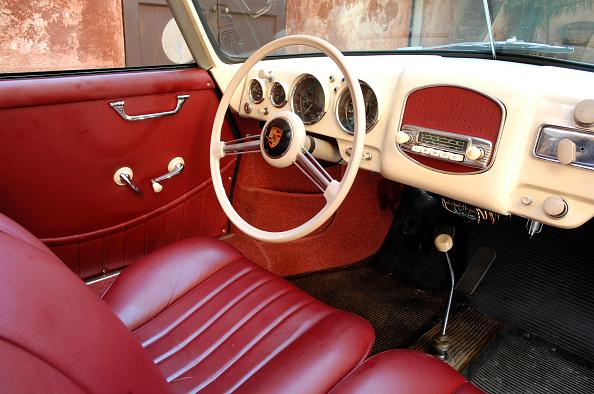 Circa 14th Century「1954 Porsche 356 1300S Cabriolet」:写真・画像(11)[壁紙.com]