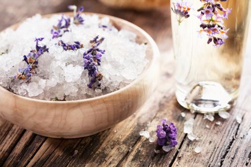 Aromatherapy Oil「aromatherapy lavender bath salt and massage oil」:スマホ壁紙(16)