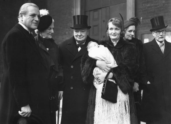 Fred Ramage「Churchill Christened」:写真・画像(2)[壁紙.com]