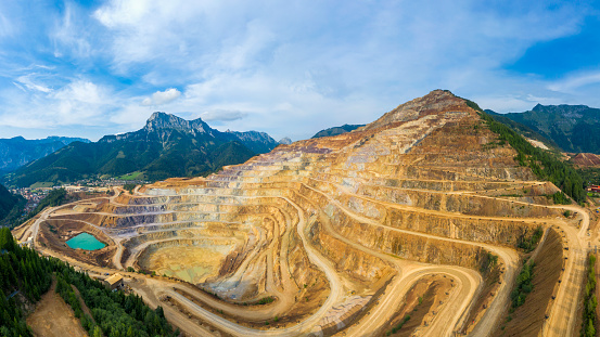 Mining - Natural Resources「Open Pit Panorama Erzberg, Styria - Aerial view」:スマホ壁紙(15)
