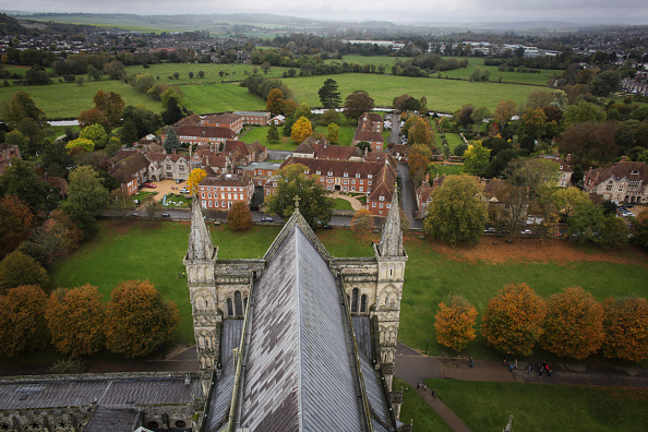 Salisbury Cathedral「Salisbury Selected By Lonely Planet Among Top 10 Cities To Visit」:写真・画像(4)[壁紙.com]