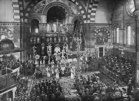 Edwardian Style「Easter Sunday service at the Greek Church, Bayswater, London, c1903 (1903)」:写真・画像(18)[壁紙.com]
