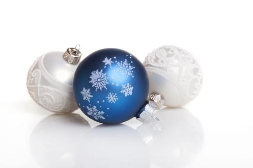 Christmas Decoration「Christmas Baubles on white background」:スマホ壁紙(16)