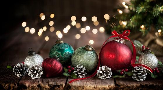 Silk「Christmas Baubles Background」:スマホ壁紙(5)