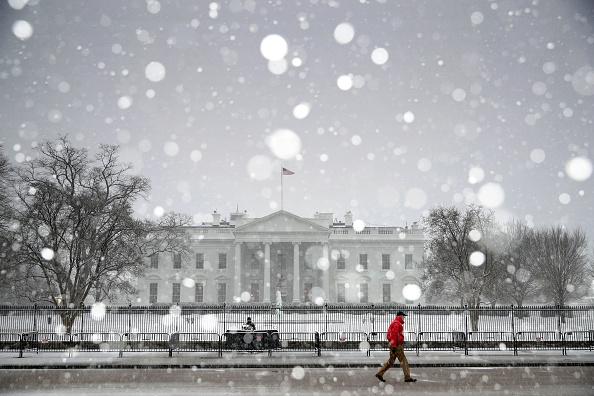 Washington DC「Wintery Mix Of Snow, Ice, And Rain Falls In Washington D.C. Area」:写真・画像(4)[壁紙.com]