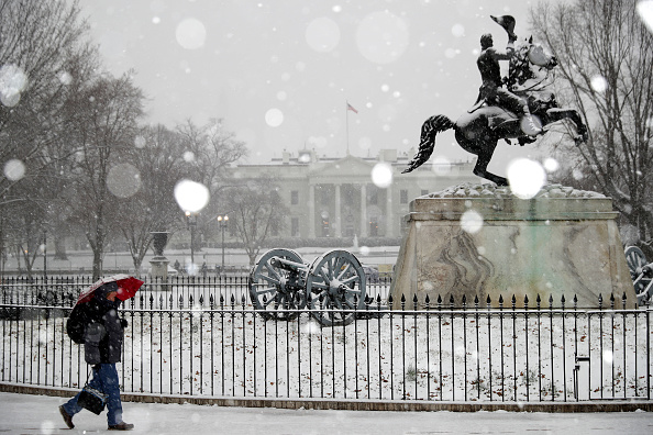 Washington DC「Wintery Mix Of Snow, Ice, And Rain Falls In Washington D.C. Area」:写真・画像(6)[壁紙.com]
