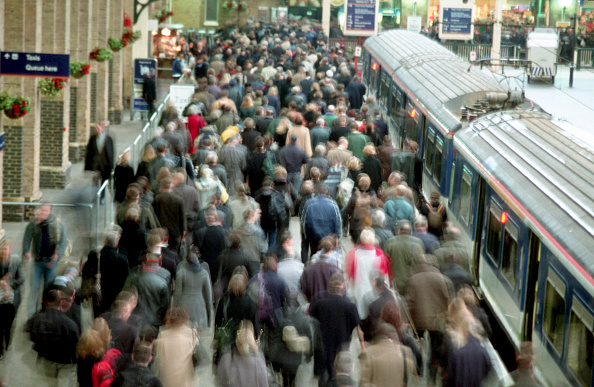 Passenger「Rail commuters arrive at London's Kings Cross during the morning rush hour. 2000.」:写真・画像(18)[壁紙.com]