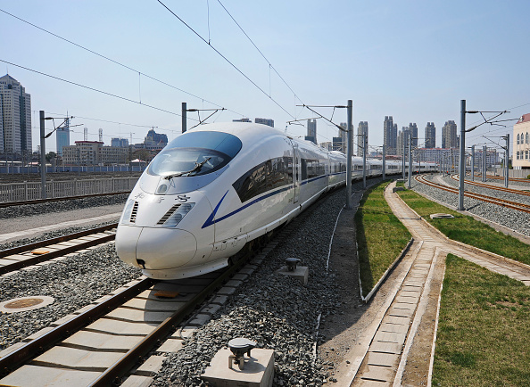 Rail Transportation「High speed train from Beijing entering Tianjin Station, China」:写真・画像(6)[壁紙.com]