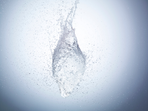 Blue Background「High speed image of water exploding」:スマホ壁紙(15)