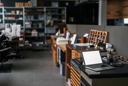 Workshop「Laptop in typesetting shop」:スマホ壁紙(15)
