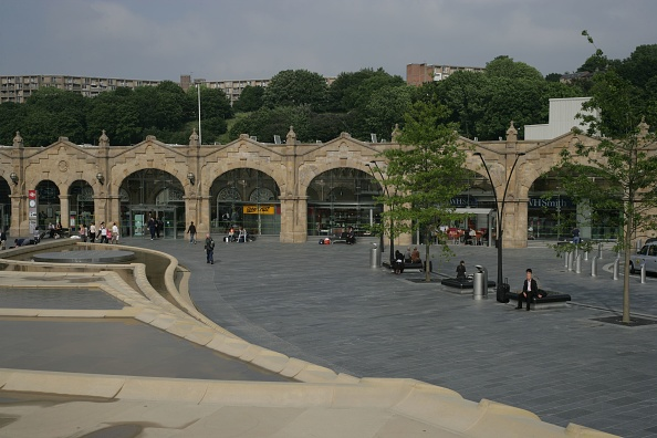Finance and Economy「The refurbished front of Sheffield station. 2007」:写真・画像(17)[壁紙.com]
