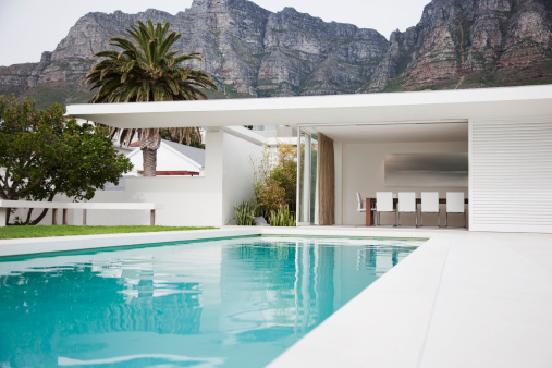 Cape Town「Modern dining area next to swimming pool」:スマホ壁紙(13)