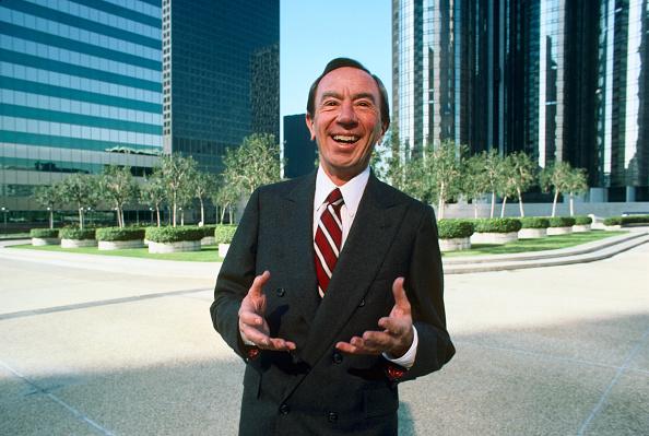 Formal Portrait「FILE PHOTO: Farewell In 2011」:写真・画像(13)[壁紙.com]