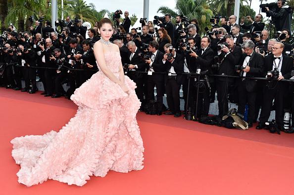 カンヌ映画祭「'Cafe Society' & Opening Gala - Red Carpet Arrivals - The 69th Annual Cannes Film Festival」:写真・画像(17)[壁紙.com]