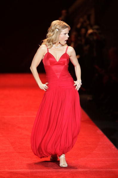 Mark Mainz「The Heart Truth's Red Dress Collection - Runway - Fall 08 MBFW」:写真・画像(15)[壁紙.com]