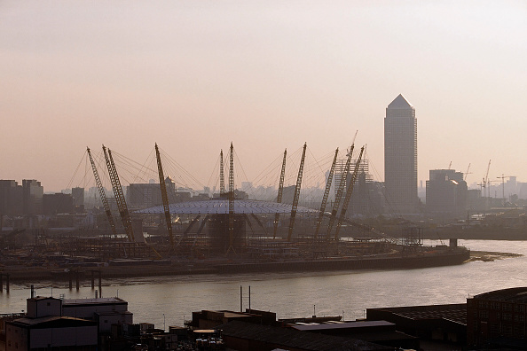 2002「Millennium Dome and Canary Wharf. London. United Kingdom. Dome designed by Richard Rogers Partnership.」:写真・画像(17)[壁紙.com]
