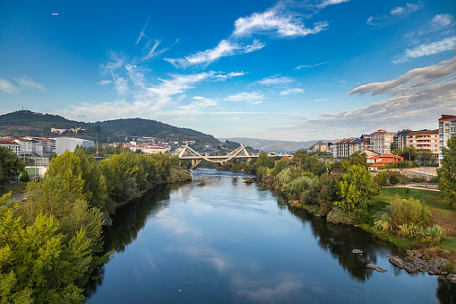 Camino De Santiago「Millennium Bridge over the Miño River with cityscape in background, Ourense, Galicia, Spain」:スマホ壁紙(7)