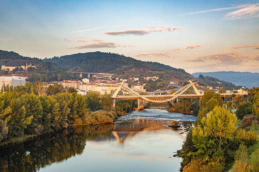 Camino De Santiago「Millennium Bridge over the Miño River at sunrise, Ourense, Galicia, Spain」:スマホ壁紙(8)