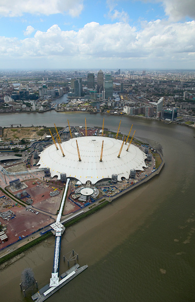Architecture「Millennium Dome on the Greenwich Peninsula and Canary Wharf, London Docklands, UK」:写真・画像(19)[壁紙.com]
