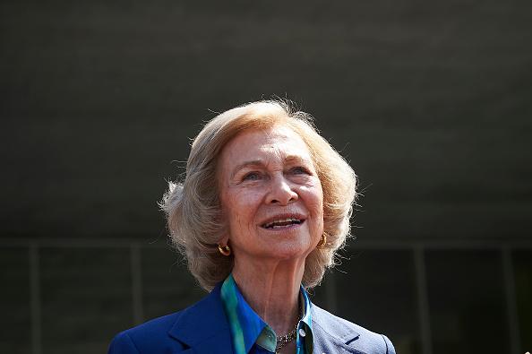 Queen Sofia of Spain「Personalities Visit King Juan Carlos At Hospital」:写真・画像(14)[壁紙.com]