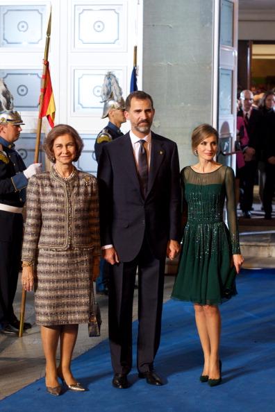 Queen Sofia of Spain「Spanish Royals Attend Principes de Asturias Awards 2013 - Gala」:写真・画像(17)[壁紙.com]