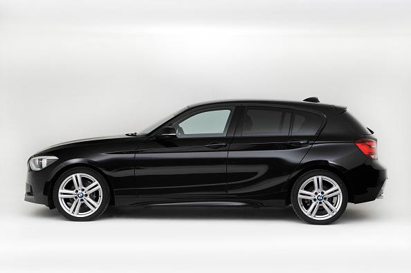 Side View「2013 BMW 118d」:写真・画像(8)[壁紙.com]
