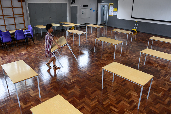 Desk「Primary Schools Gradually Reopen In England As Lockdown Eases」:写真・画像(16)[壁紙.com]