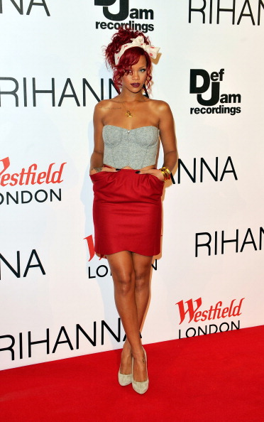 Redhead「Rihanna Turns On The Westfield  Christmas Lights」:写真・画像(14)[壁紙.com]