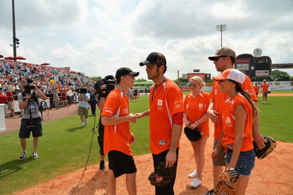 Jamie Lynn Spears「City of Hope Celebrity Softball Game at CMA Festival - Game」:写真・画像(16)[壁紙.com]