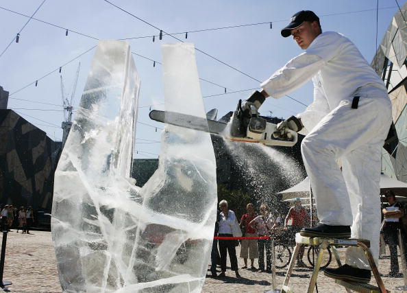 Ice Sculpture「Swedish Crown Princess Opens Design Exhibition」:写真・画像(1)[壁紙.com]