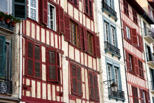 Nouvelle-Aquitaine「Facades of 16th century buildings.」:スマホ壁紙(16)