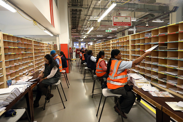 Royal Mail「Royal Mail Sorting Office Reaches Peak Christmas Activity This Week」:写真・画像(13)[壁紙.com]