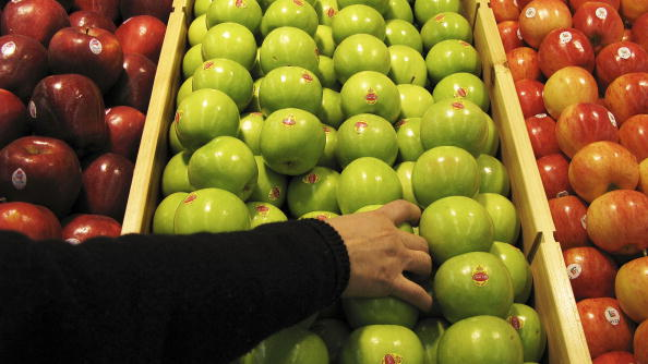 Fruit「Tesco Opens First Own-Brand Supermarket in China」:写真・画像(1)[壁紙.com]