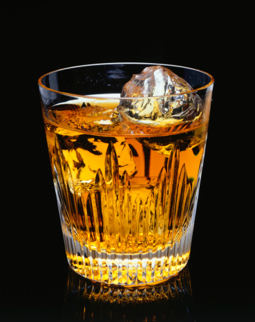 Whiskey「Glass of whisky with ice, (Close-up)」:スマホ壁紙(8)