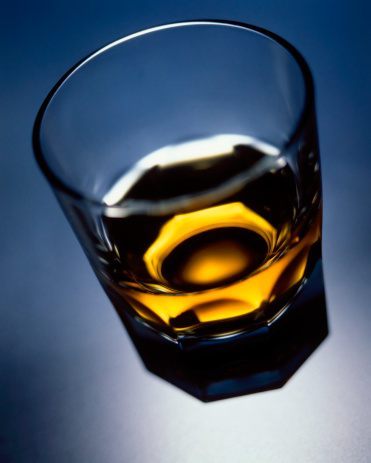Whiskey「Glass of whisky, elevated view」:スマホ壁紙(8)