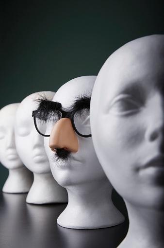 Unrecognizable Person「Funny mannequin」:スマホ壁紙(17)