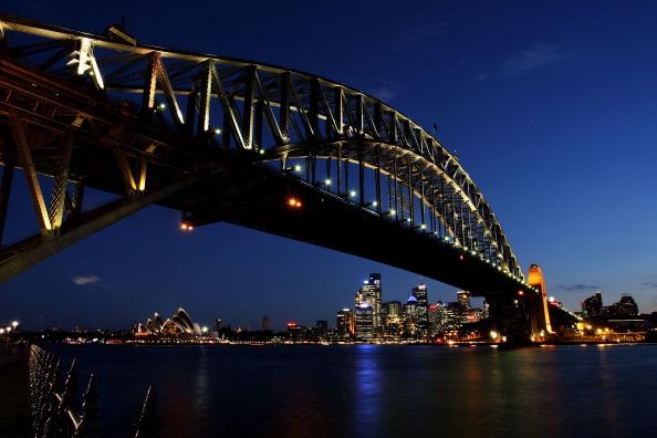 Sydney Harbor Bridge「Sydney Dims For Earth Hour 2012」:写真・画像(2)[壁紙.com]