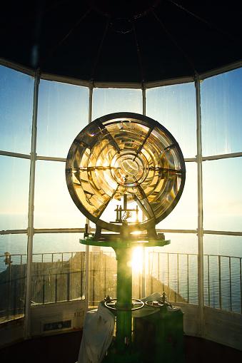 Guidance「Lighthouse Bulb against Panoramic View」:スマホ壁紙(10)