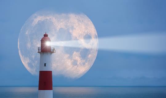 Beacon「Lighthouse and moon」:スマホ壁紙(5)