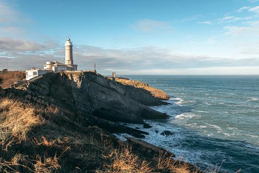 Beacon「Lighthouse in Santander, Spain」:スマホ壁紙(12)