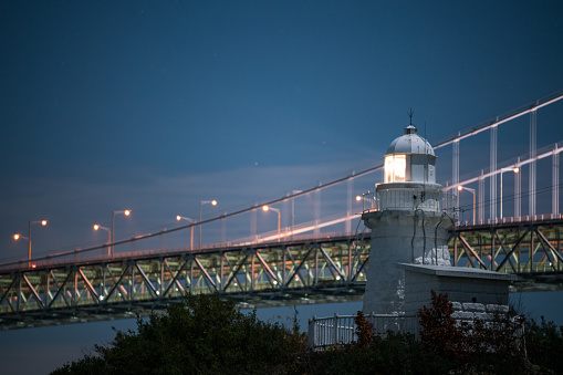 A Helping Hand「A lighthouse and bridge on the coast of Japan」:スマホ壁紙(16)