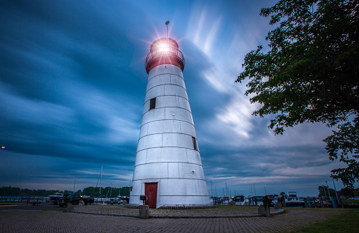 Beacon「Lighthouse at the Marina」:スマホ壁紙(10)