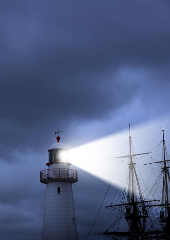 star sky「灯台、ビーム、悪天候および古い船に本当に近い」:スマホ壁紙(11)