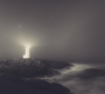 Sepia Toned「Lighthouse in Fog」:スマホ壁紙(5)
