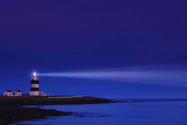 Lighthouse the night - Hook Head in County Wexford, Ireland:スマホ壁紙(壁紙.com)