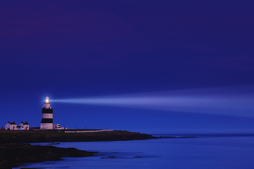 Beacon「Lighthouse the night - Hook Head in County Wexford, Ireland」:スマホ壁紙(9)