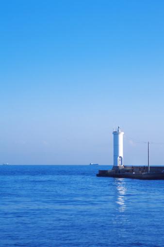 海「LIghthouse at Nagata Harbour」:スマホ壁紙(13)