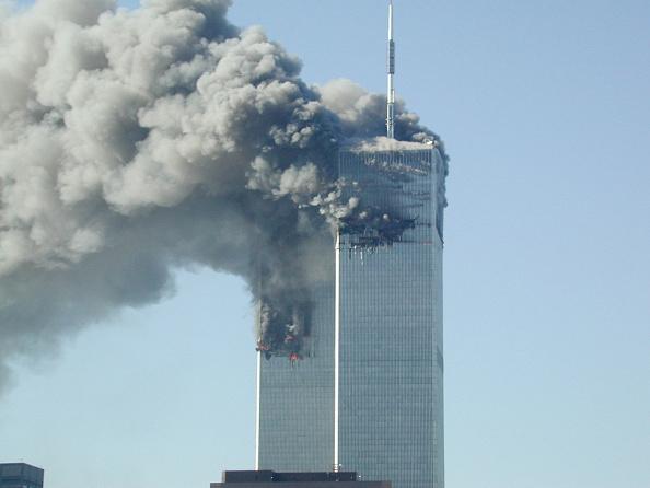 Pouring「Two Planes Crash into World Trade Center」:写真・画像(8)[壁紙.com]