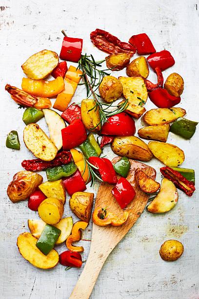 Oven vegetables, potatoes and spatula:スマホ壁紙(壁紙.com)